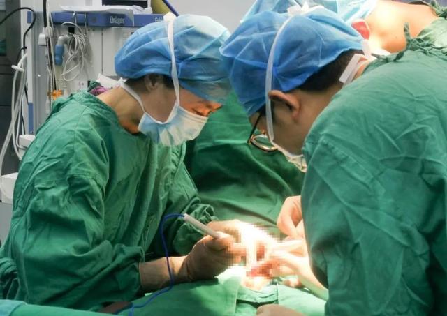 四川省泌尿外科医院开展第二期小儿泌尿学术活动