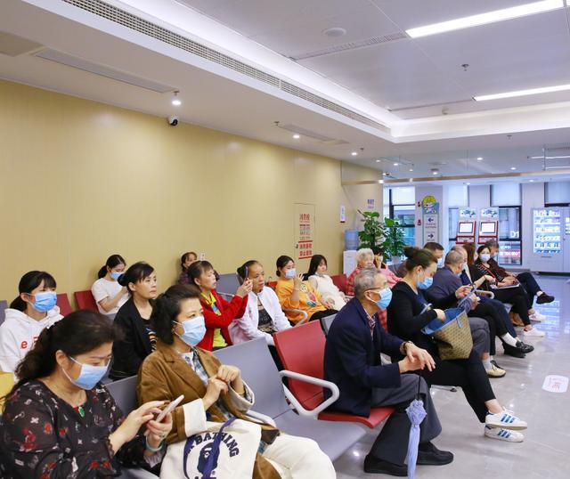 世界心脏日   重庆北部宽仁医院开展义诊活动,让生命重获「心」生!
