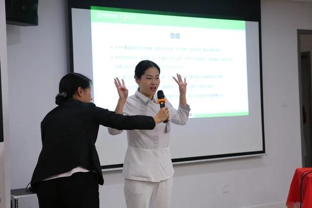 医护、患者齐跳手指舞!这样的脑卒中日健康宣教你见过吗?