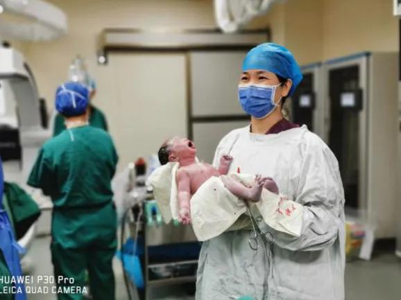 前沿技术   多学科协作,仙葫院区妇产科成功救治严重并发症孕产妇
