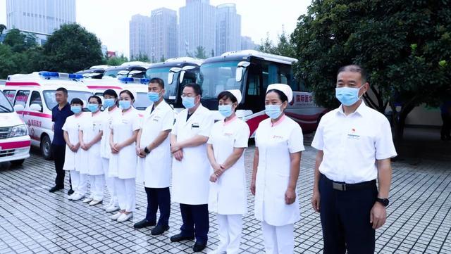 还为不好停车发愁?西安高新医院为患者提供免费接送服务!