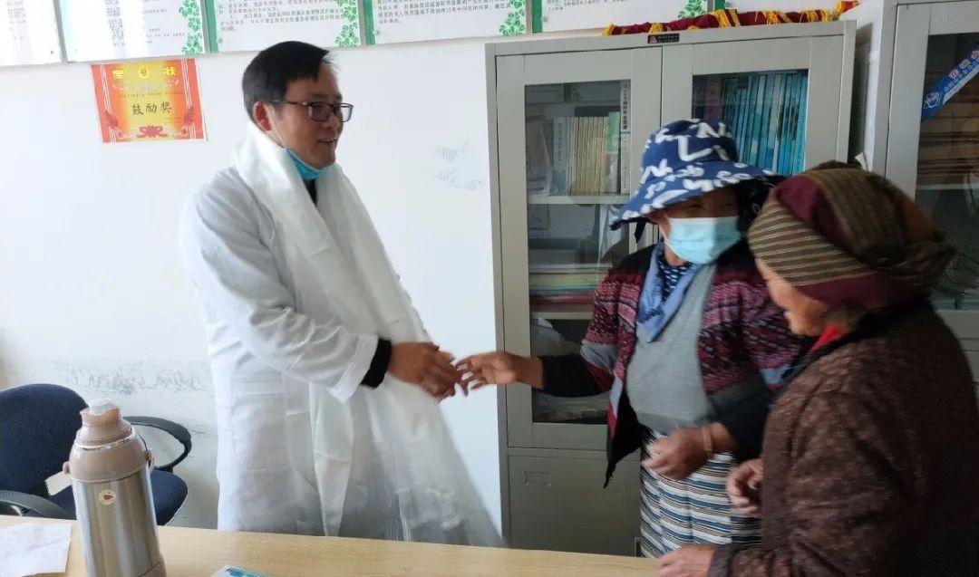 泰州市人民医院周红兵主任:为爱跨越千里,缺氧不缺精神,艰苦不怕吃苦