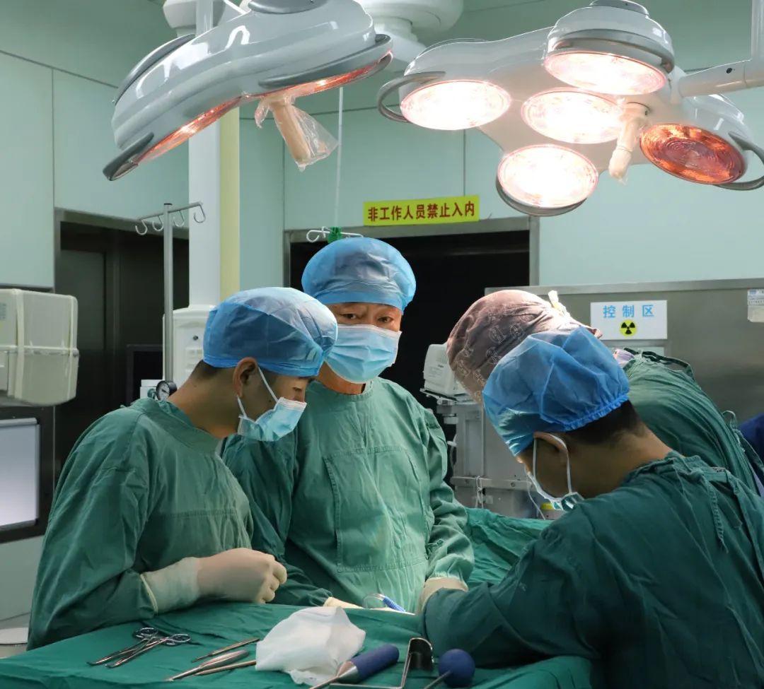 师继红团队加盟昆明同仁医院 构建「大骨科」新格局