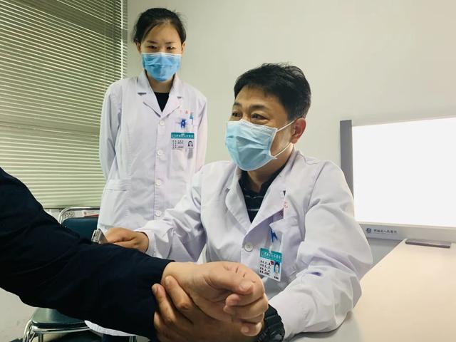 卷入卡车命悬一线…… 河南省人民医院专家连夜14小时紧急救治