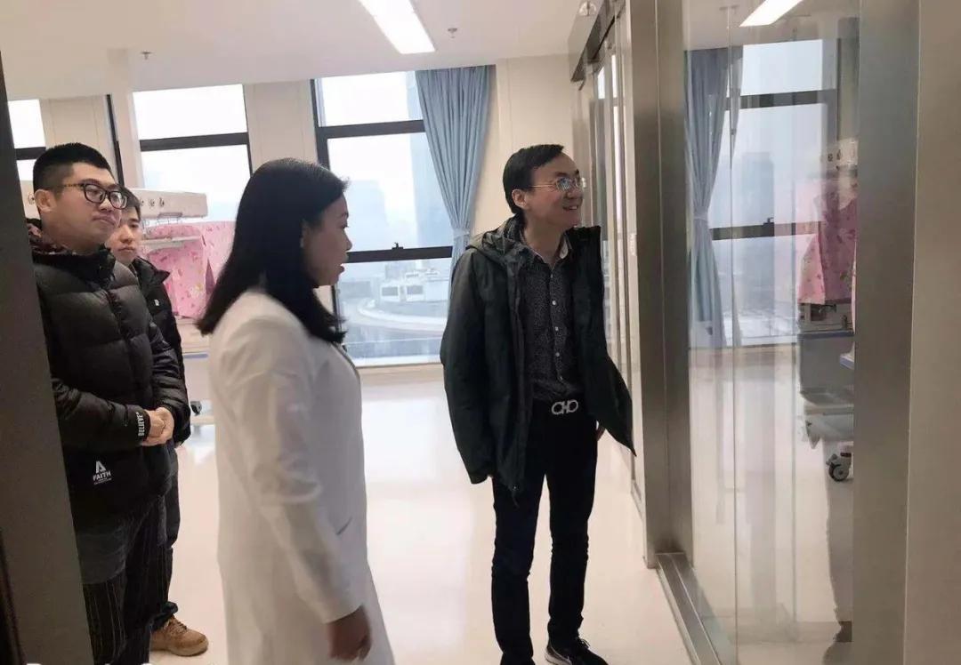 国内著名新生儿专家史源教授莅临重庆北部宽仁医院交流指导
