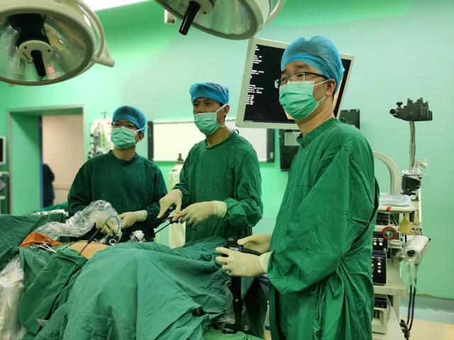 常州二院胃肠病中心:双镜联合巧取回盲部肿瘤