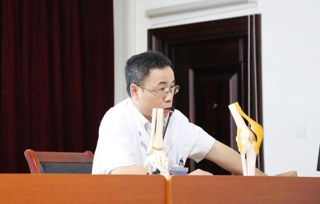 上海海华医院优质医疗服务走进上海动车段