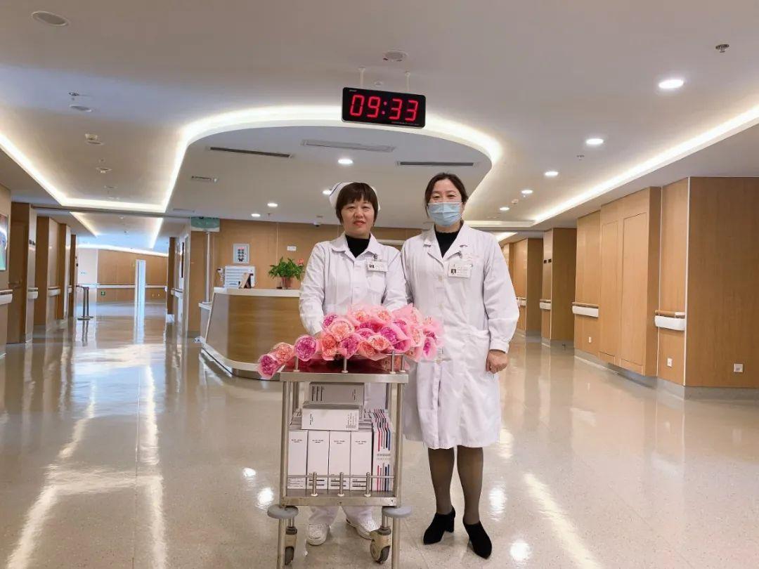 莆田这家医院惊现集体送花场面
