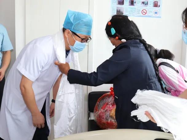 「红十字救心行动」:珠海市人民医院救治藏族姑娘