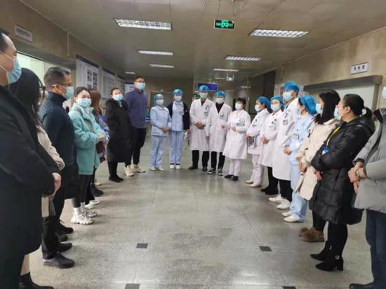 岳池县人民医院胸痛中心举行院前急救与院内救治应急演练