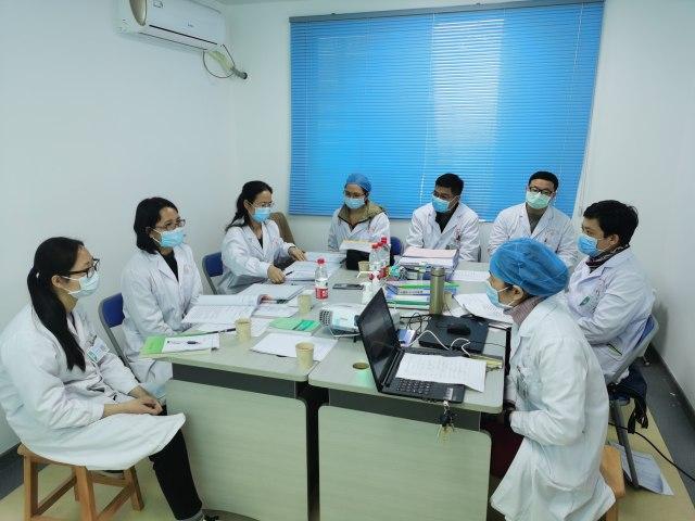柳州辅助生殖专家到自治区南溪山医院进行参观交流