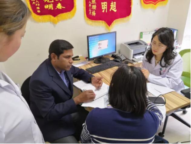 爱尔康 PD 亚太区培训经理到访艾格眼科集团进行技术交流