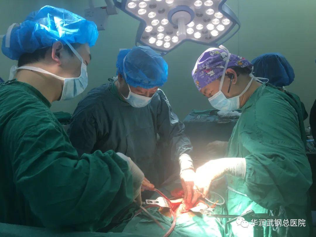 华润武钢总医院普外科团队成功实施左半肝切除+全胃癌根治术+食管空肠吻合术