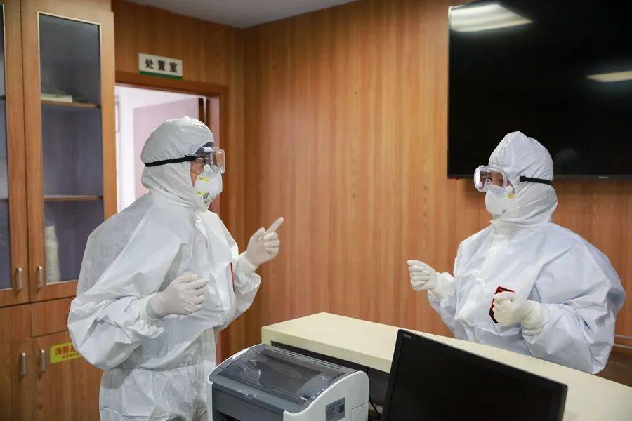浙江省「 抗击疫情杰出护理管理者」 章敏:章法有度敏而行
