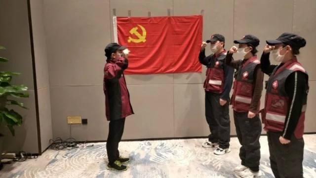 延大附院第一批支援武汉的 4 名队员继续坚守武汉