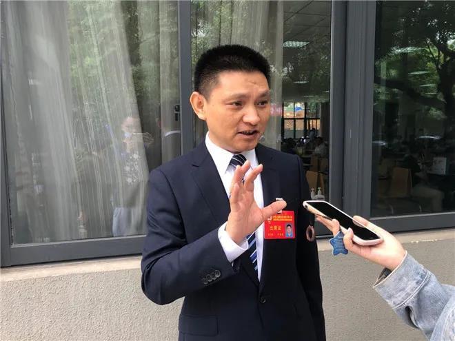 政协委员川泌院长曾政光:带着 4 项提案上会 关注疫情防控常态化