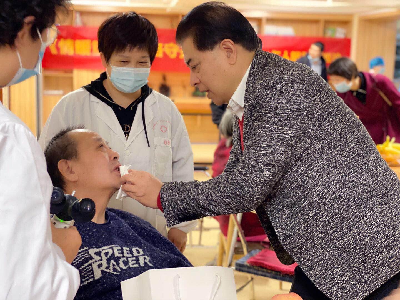 武汉艾格眼科医院连续三年荣获武汉市服务业百强