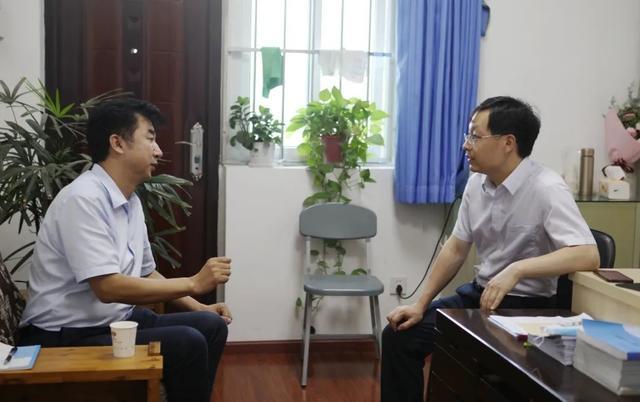 达州市中心医院党委书记周佳伟一行前往绵阳市中心医院参访