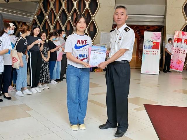 上海市同仁医院医疗队在浦东机场奋战四十天 凯旋而归!