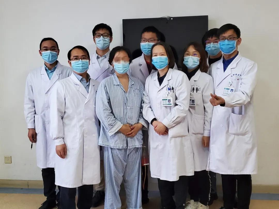 专家团队修复巨大创面,帮她「再造」乳房