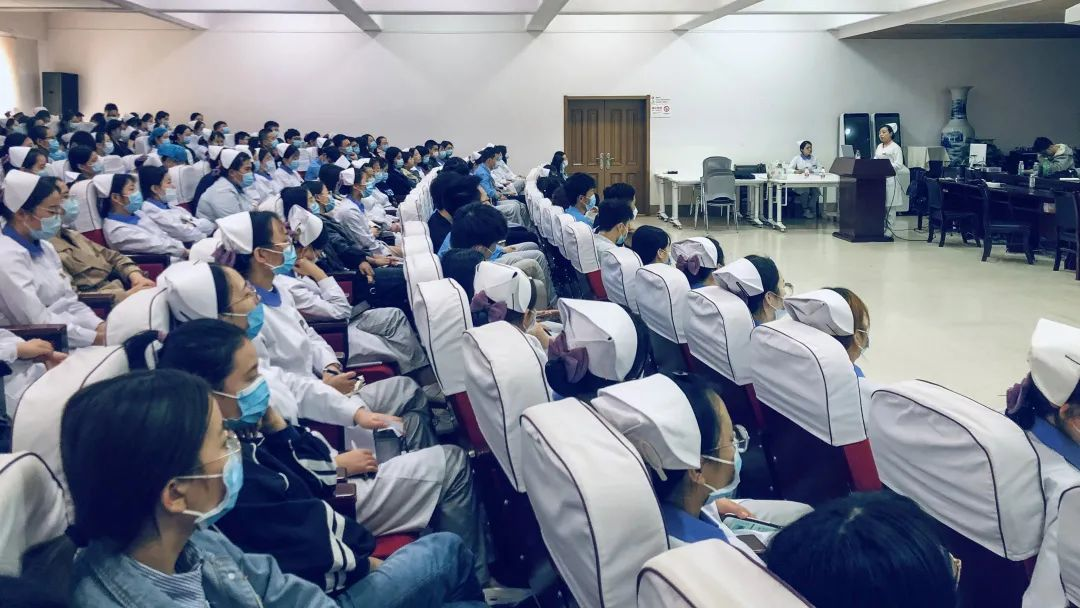 西安高新医院召开第二次护理实习生会议