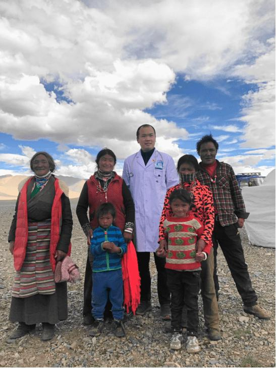 西安交大一附院援藏医生完成阿里地区首例消化道大出血内镜下止血术