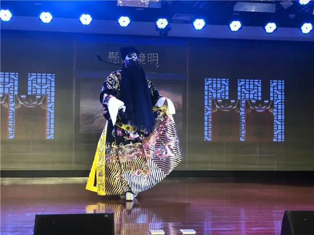 致敬最可爱的人 | 河南省京剧艺术中心来河南省直三院慰问演出
