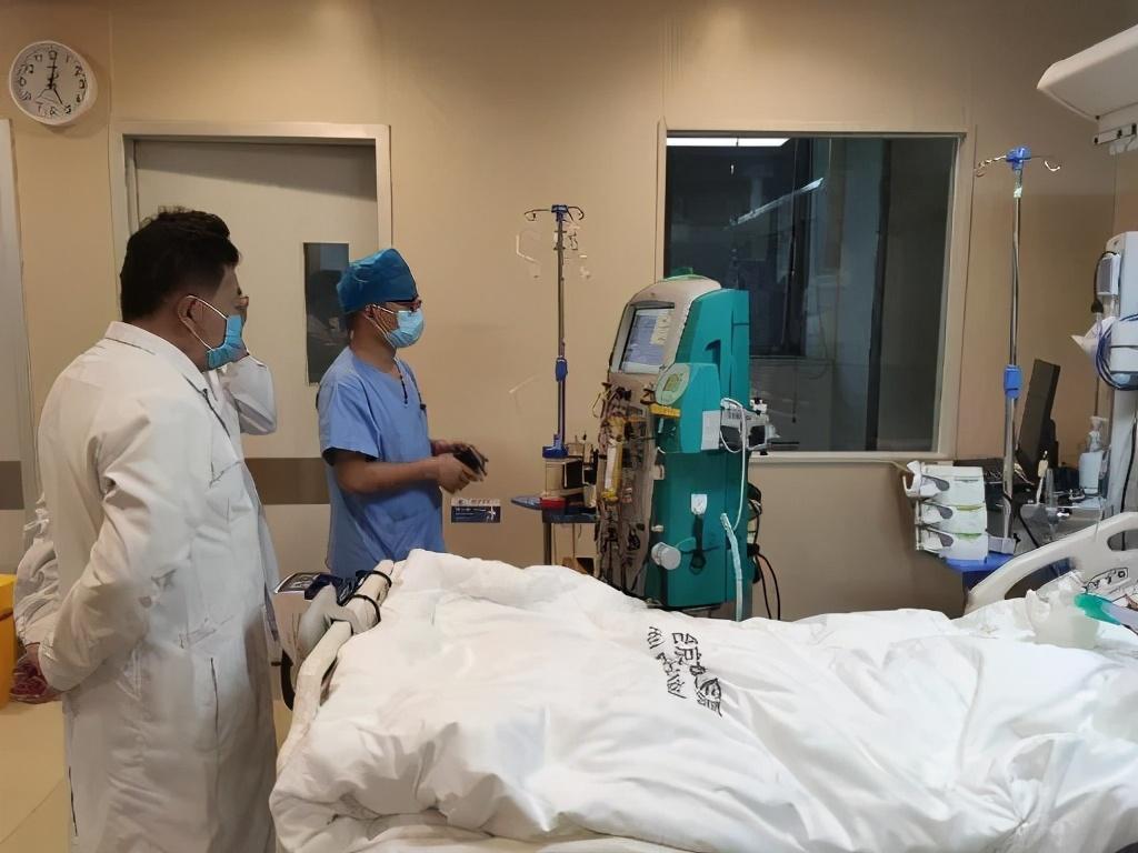 合肥京东方医院利用人工肝替代治疗手术成功挽救患者生命