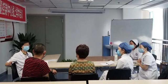 满血重生 绵阳首例自体干细胞移植在绵阳市中心医院顺利完成