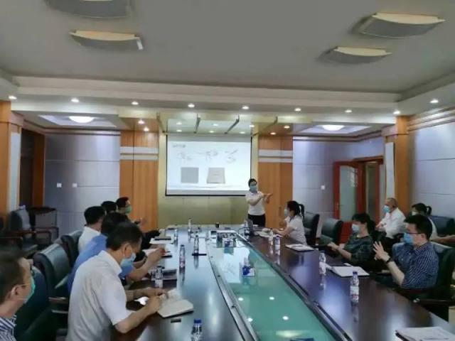延大附院援苏丹医疗队员为中国驻苏丹大使馆工作人员进行新冠肺炎防控知识培训