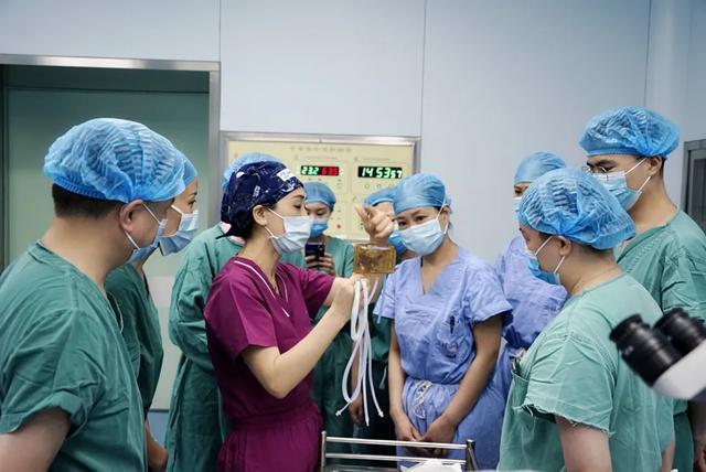 捐赠 500 万建眼科中心!每年免费让 100 名白内障患者重获光明!