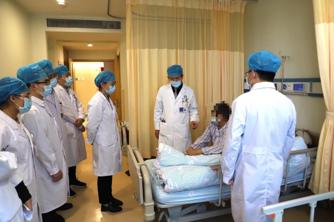 耄耋老人肿瘤晚期肠梗阻生命垂危,肿瘤专家妙手施治获新生