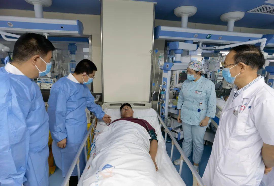 河南省直第三人民医院:暴雨之下,18 岁!