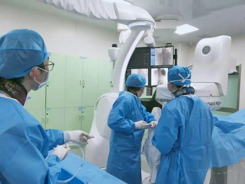 治疗肝硬化引起的并发症,国内领先新办法看这里