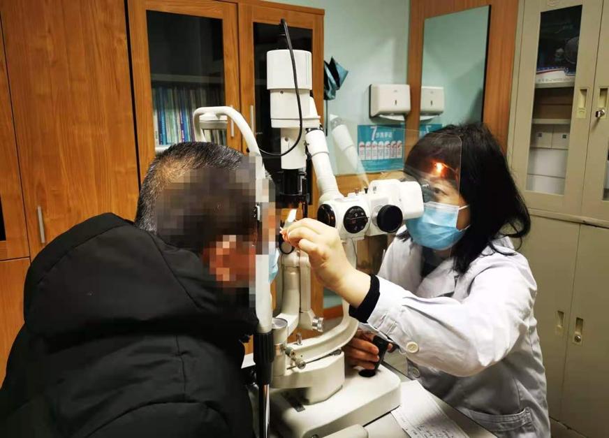 「180°宽屏」视野变「天缝」 眼科专家提醒:天气降温谨防青光眼高发