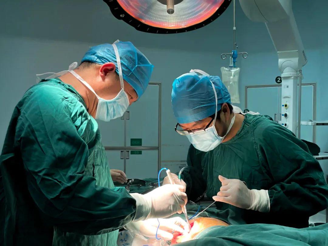 杭州市萧山区第一人民医院从一儿童身上取出U型针
