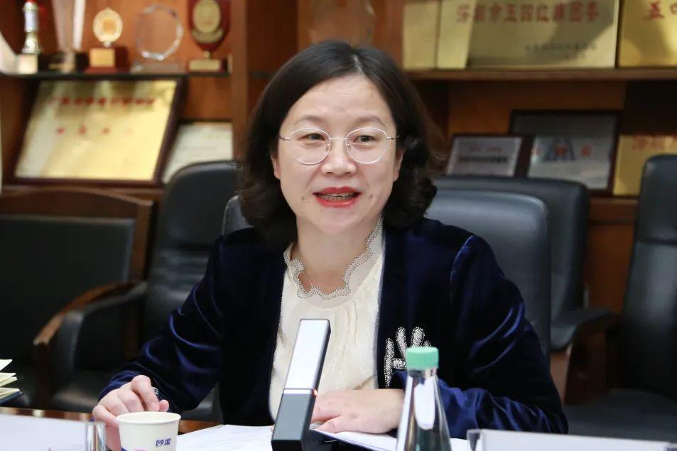 深圳市妇幼保健院召开 2020 年第四季度孕产妇危重症评审会议