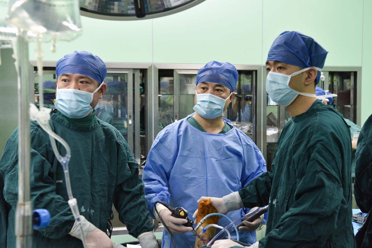 踝关节镜+骨科机器人,组合微创治疗踝足部损伤骨折