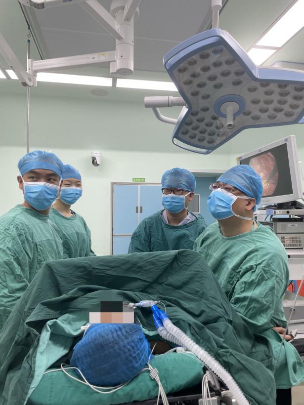 女子胸部肿瘤大如「拳头」,医生联合「拆弹」让女子顺畅呼吸