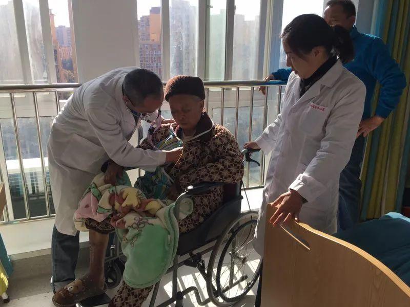 昆明同仁医院综合老年病科主任卢国良:一心一意关爱老年人健康