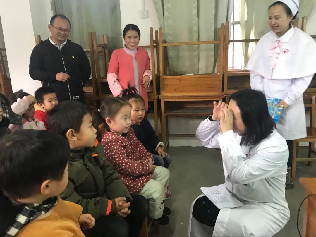 柳州市红十字会医院副院长王欢燕被评为「柳州市最美巾帼奋斗者」