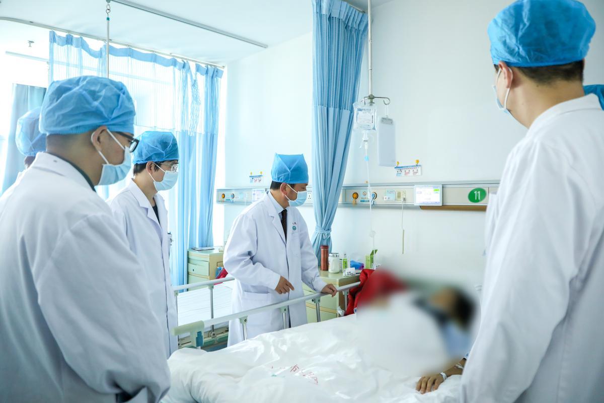 珠海市人民医院李根丛:「不懂放弃」的医生