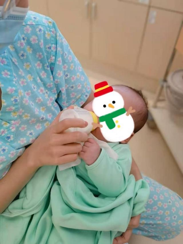 多学科接力治疗脊柱裂新生儿,国际医院服务获家长点赞