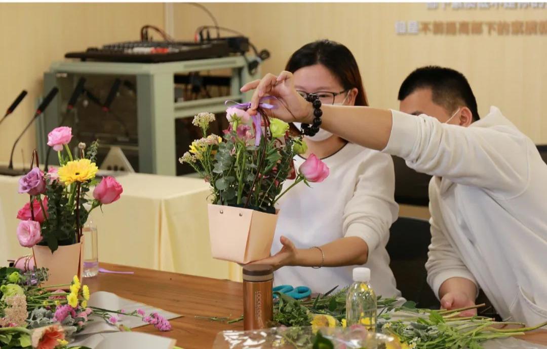 一场特别的胎教:广州安和泰举办女神节花艺插花沙龙