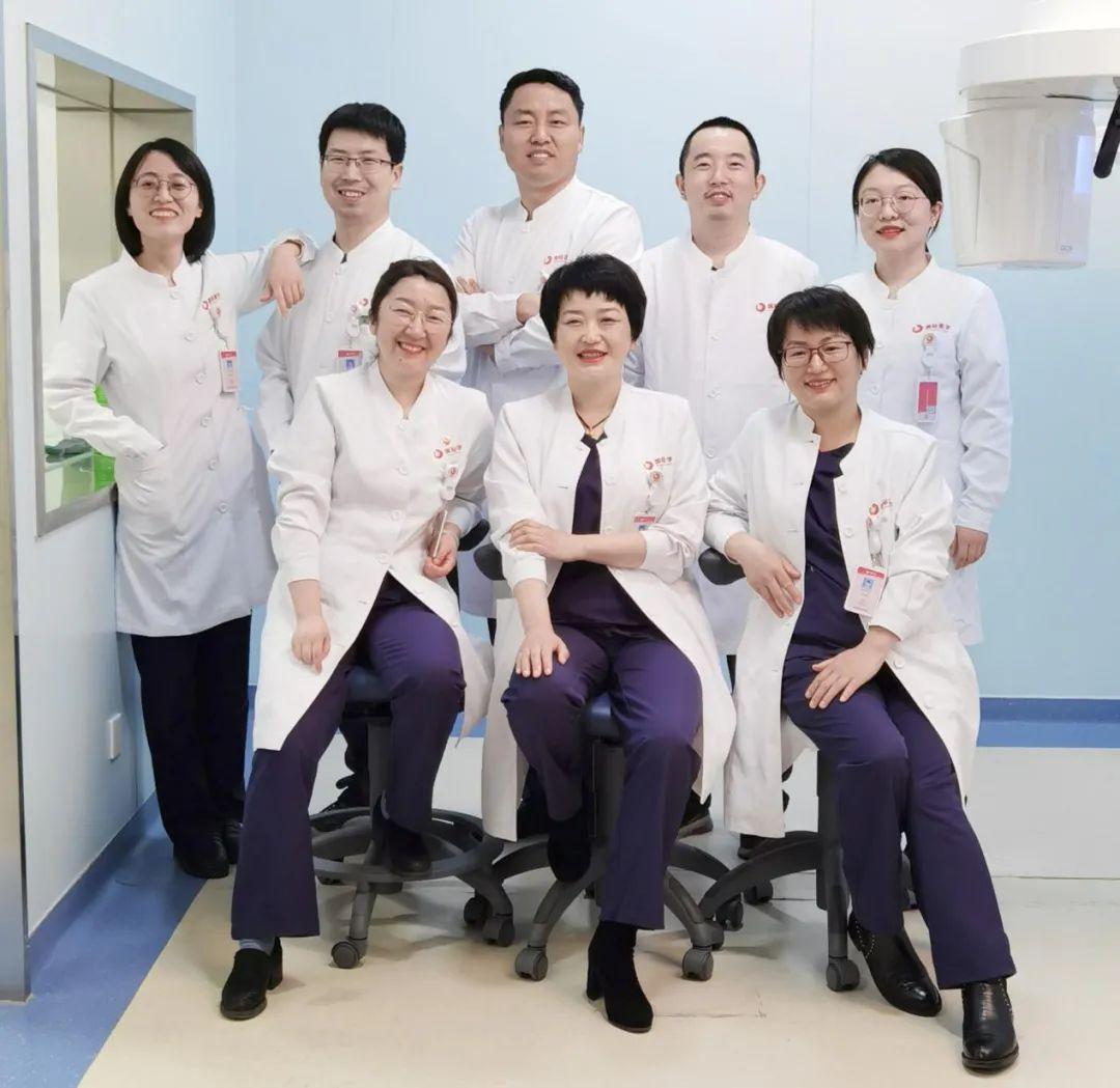 西安高新医院:口腔医生是求美世界的精灵