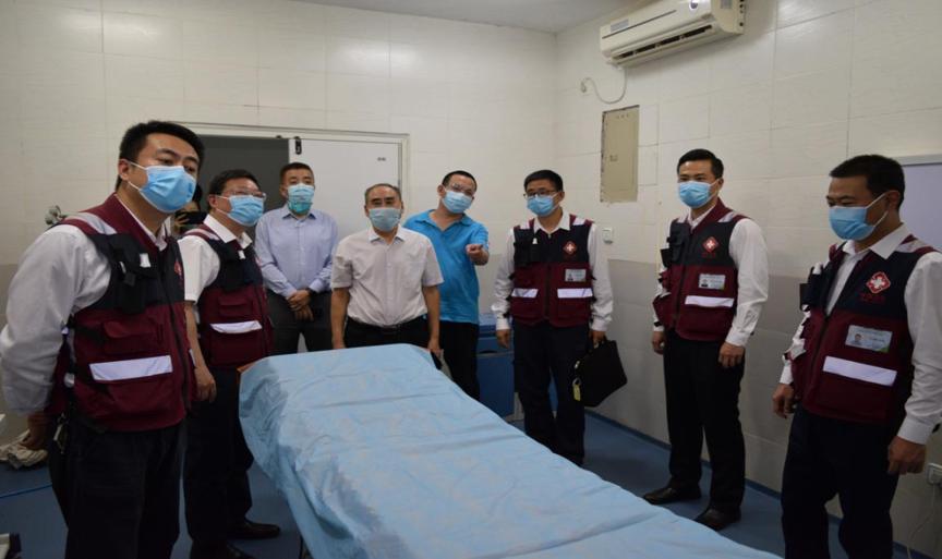 援非医生的战「疫」——延安大学附属医院援非医生王国军