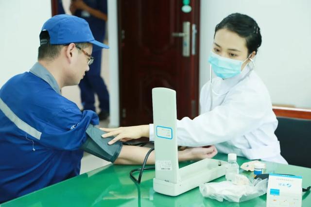 上海海华医院为上海动车段企业职工提供健康宣教及诊疗服务