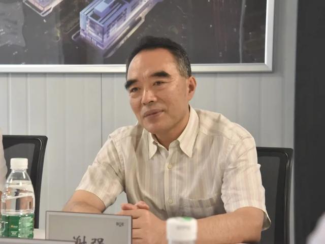 成都市卫健委主任谢强率队考察成都京东方医院