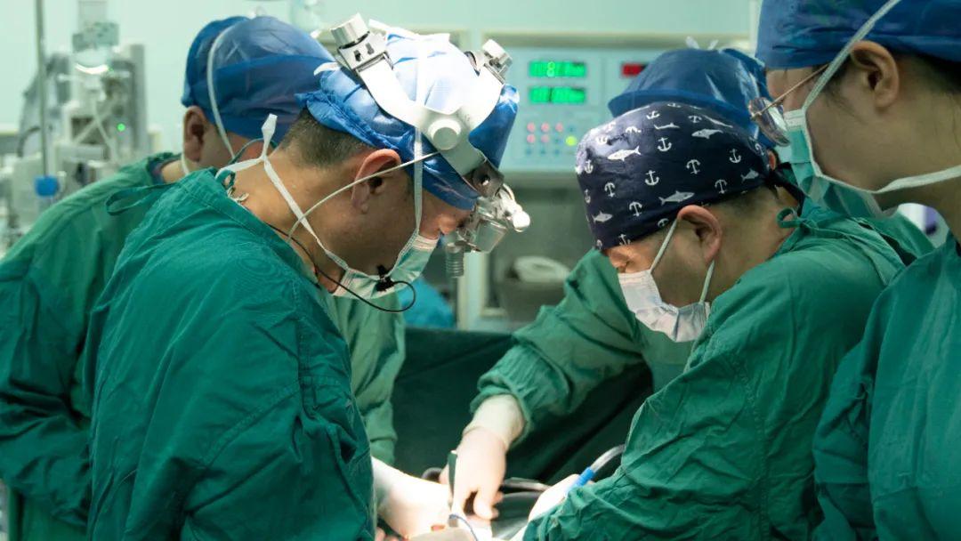 没有漂亮的手术,只有浴血奋战的现实