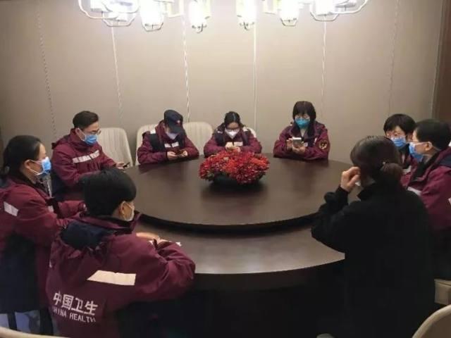 西安市第九医院【武汉快讯】重症五组的故事
